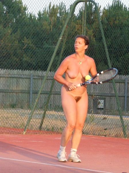 Tennis Nude